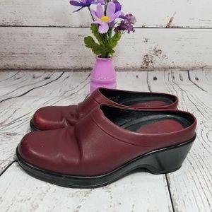 Dansko Women's Clogs Pre Owned Red Size 8